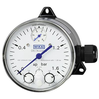 Model DPGS40 Differential Pressure Gauge with Micro Switch